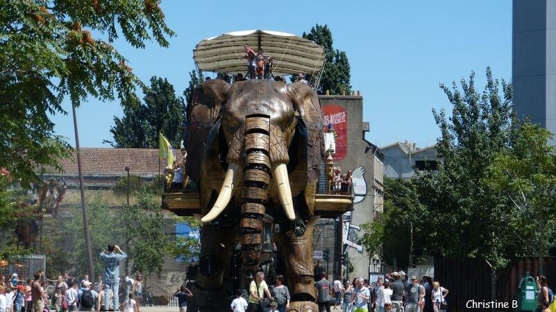 L'ELEPHANT GEANT DE L'ILE DE NANTES