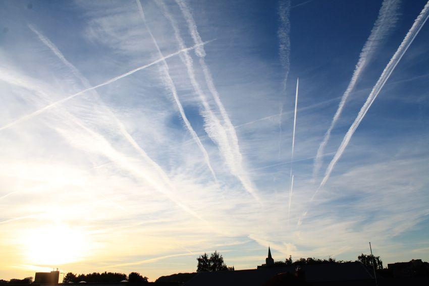 Airplane-stripes