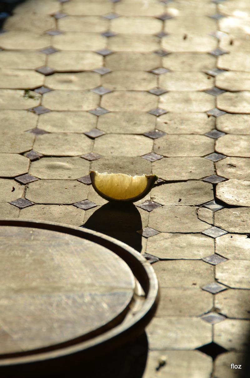 le citron sur la table