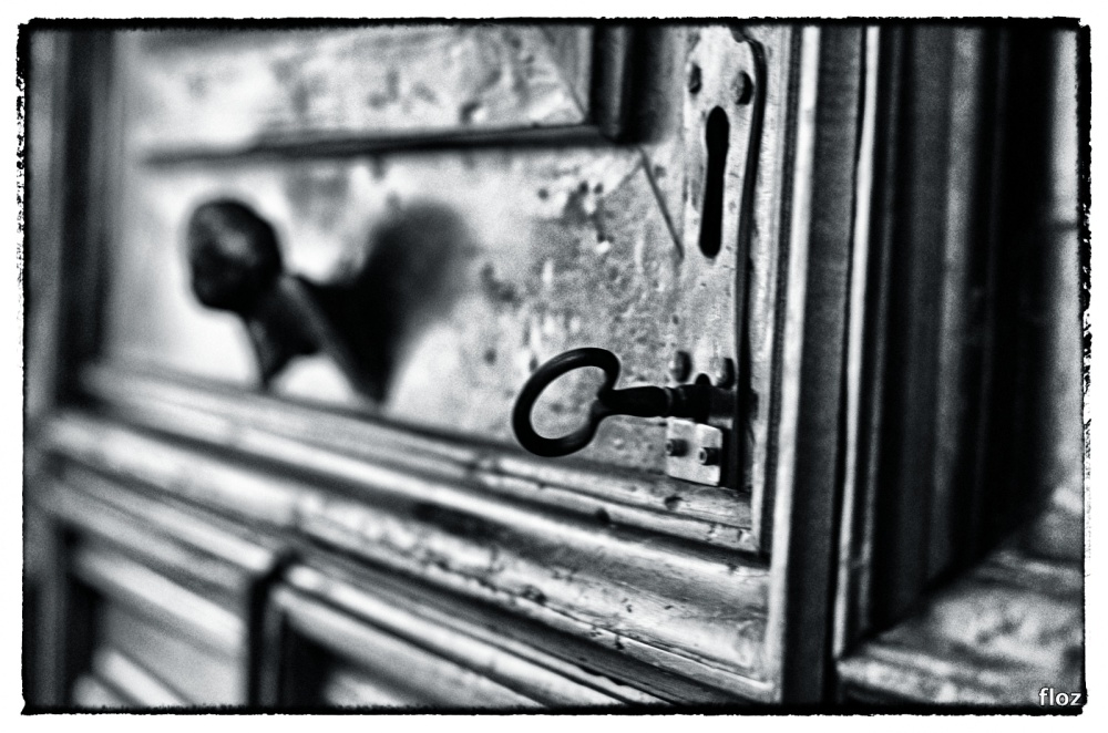 musique secrète derrière la porte