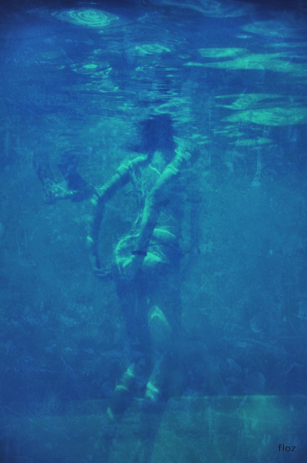 au fond de la piscine