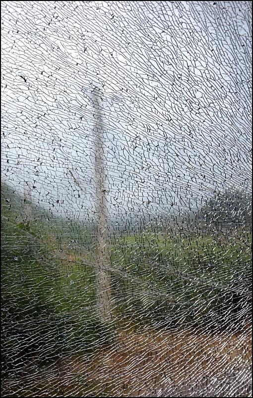 La vitre brisée /4