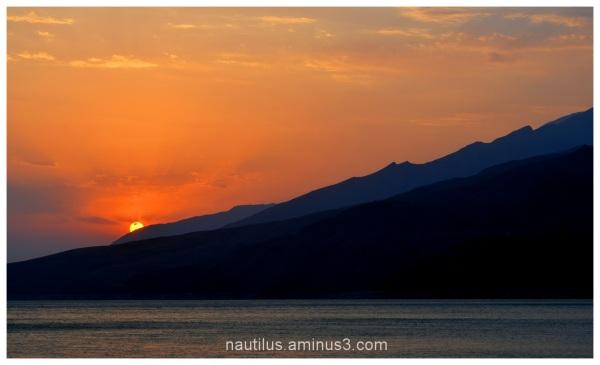 Dusk in Manjil lake