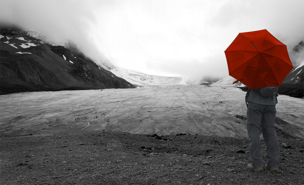randonneur au pied du glacier Columbia