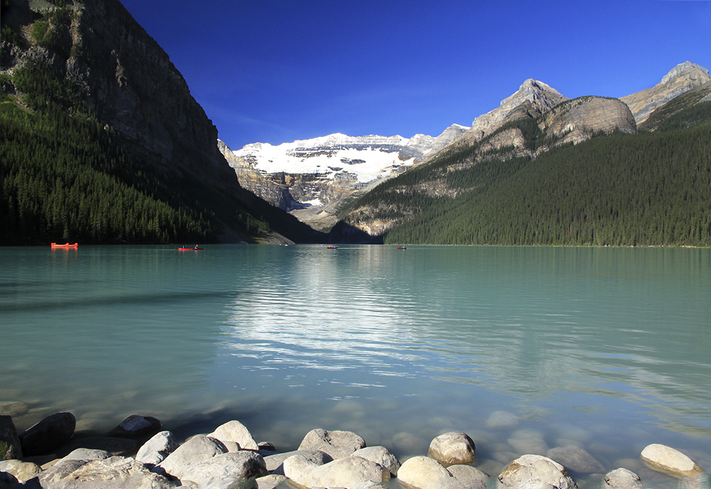 paisible lac Louise, Alberta.