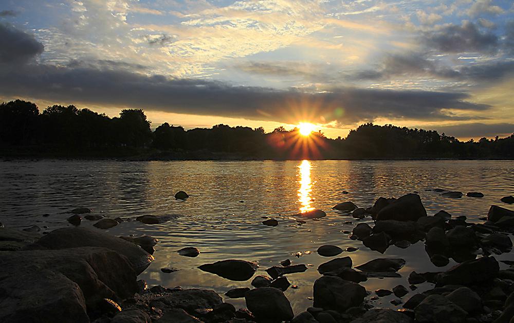 coucher de soleil sur la rivière Saint-François