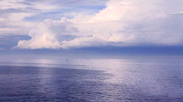 la fusion du ciel à la mer