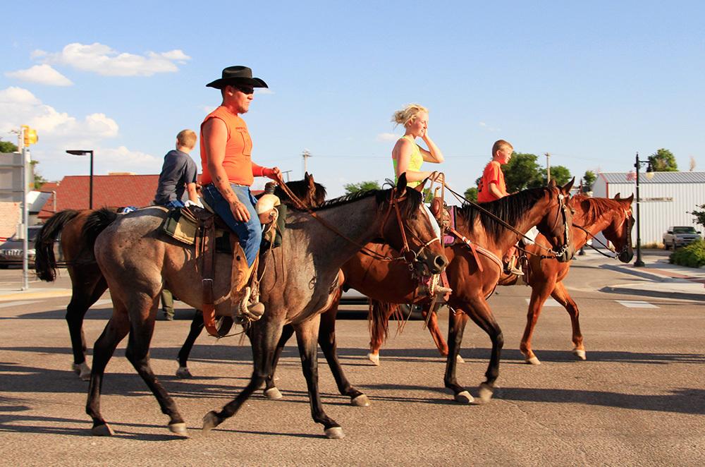 cowboys dans la parade du dimanche