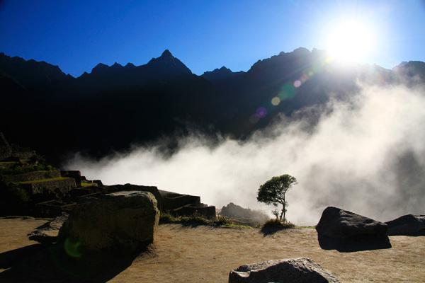 lever du soleil au Machu Picchu