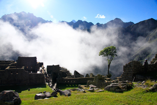Mist coming from the valley in Machu-Picchu.
