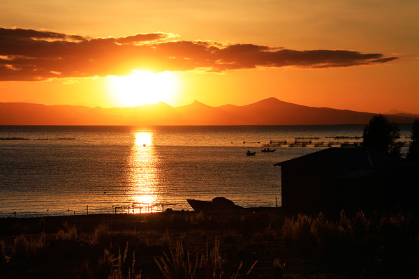 sunset on Lago Titicaca