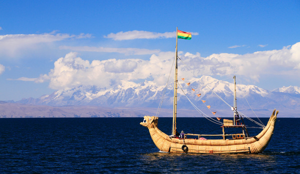 Traditional boat on Lago Titicaca