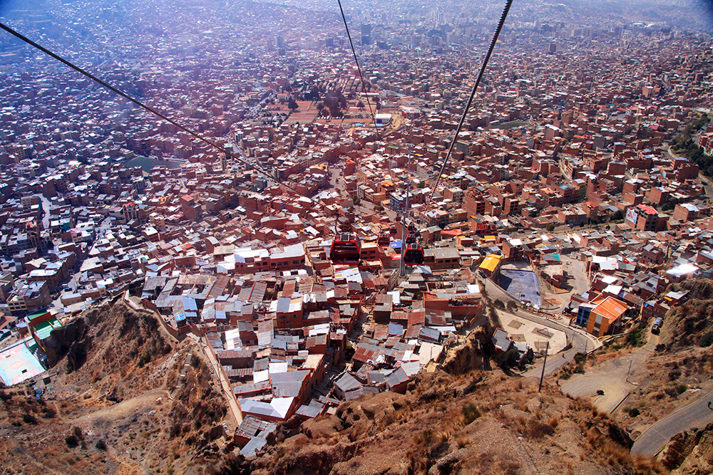Going down in La Paz on Mi Teleferico