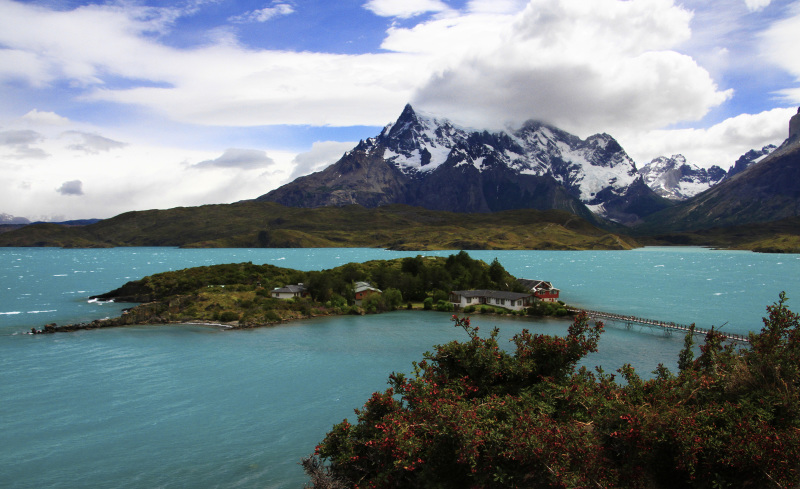 Cerro Paine Grande on Lago Pehue