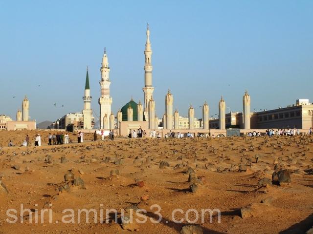 مسجد پیامبر از داخل بقیع