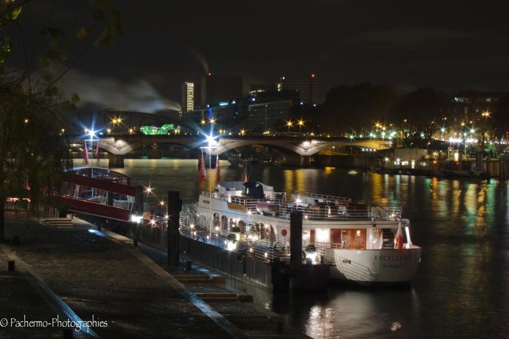 Quais de seine by night