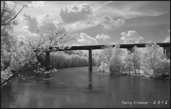 infrared image of the I-77 bridge over New River