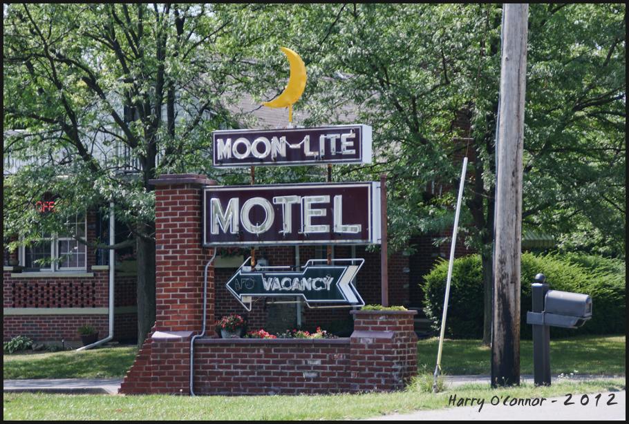 sign motel
