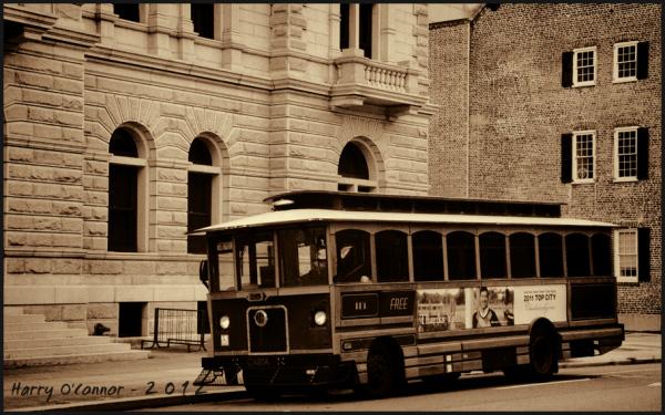 Charleston SC free trolley bus