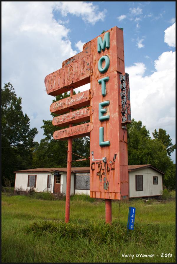 Abandoned Motel sign