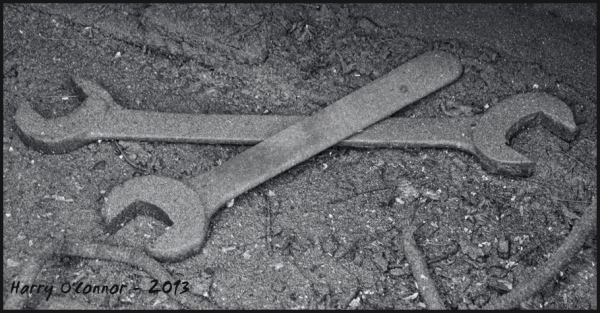 Crossed wrenches