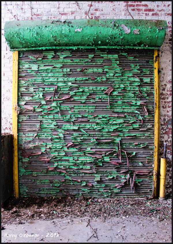 Peeling roll up door