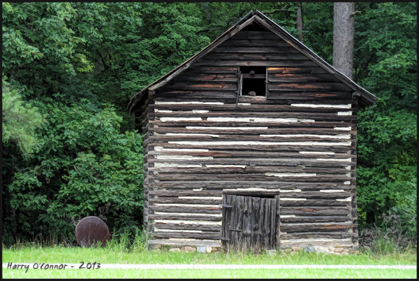 Tobacco barn with fuel tank
