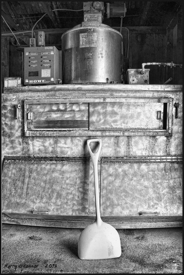 Furnace and shovel