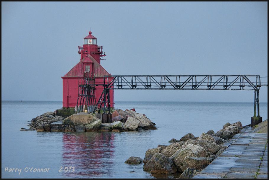 Canal station pier-head lighthouse I