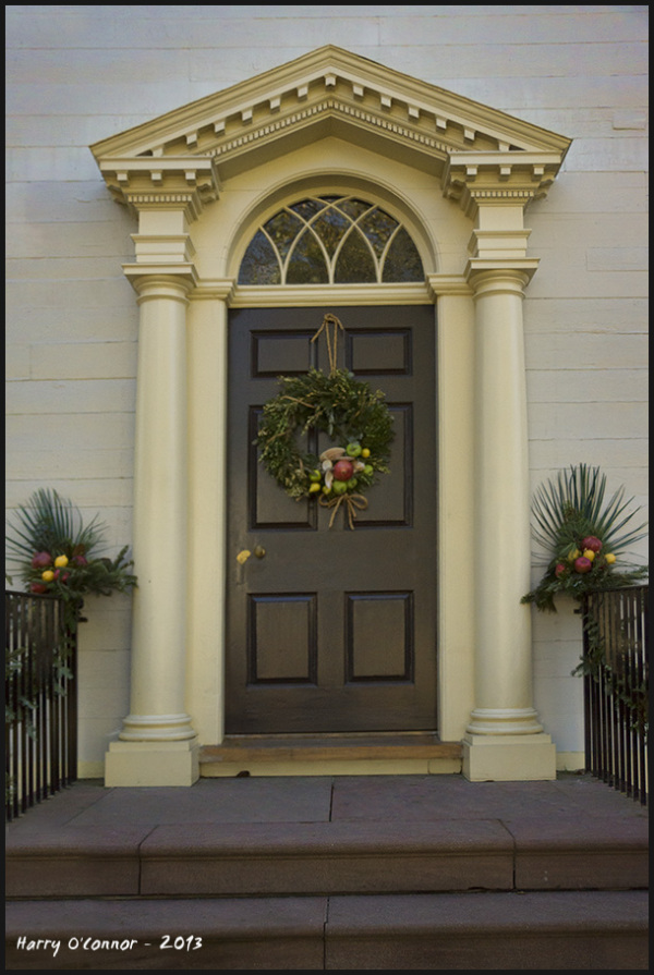 Colonial doorway   Merry Christmas