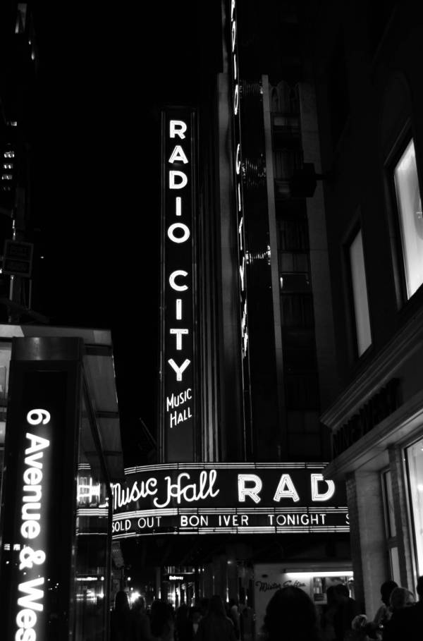 Untitled 2 (radio city)