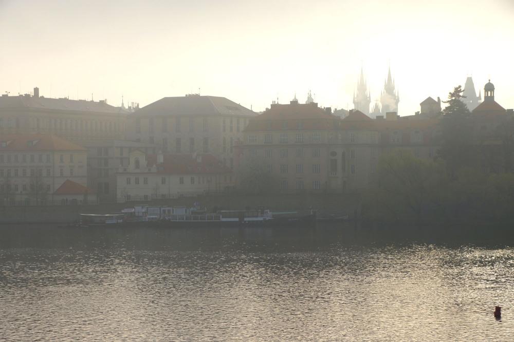 Prague, brume du matin