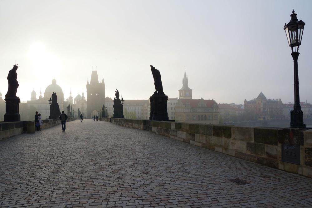 Pont Karlov le matin