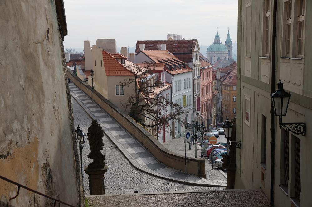 La rue du château