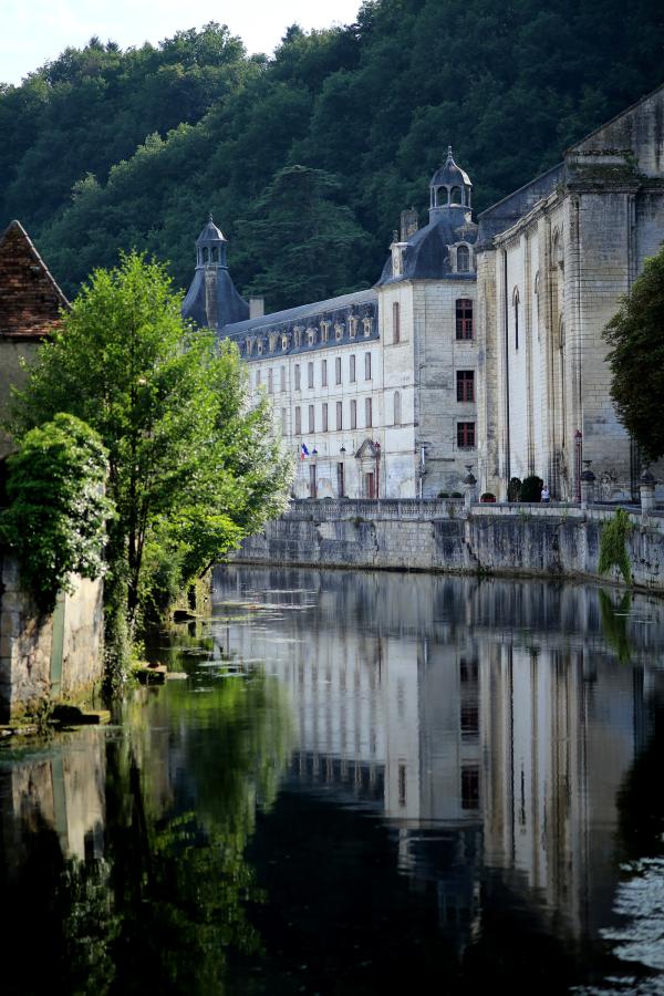 L'abbaye au bord de l'eau