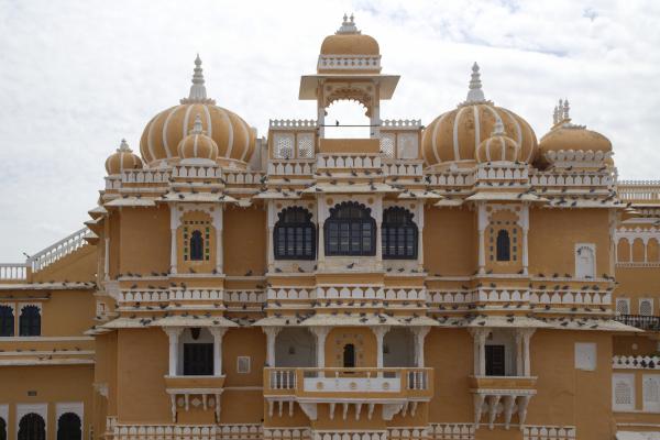 Palais ou hôtel? 2
