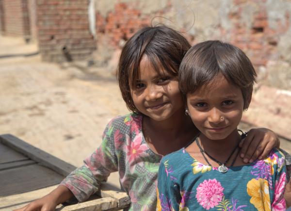 Fillettes près de Jaipur