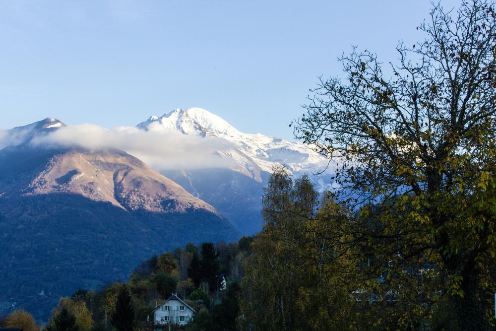Nuages sur la montagne 3