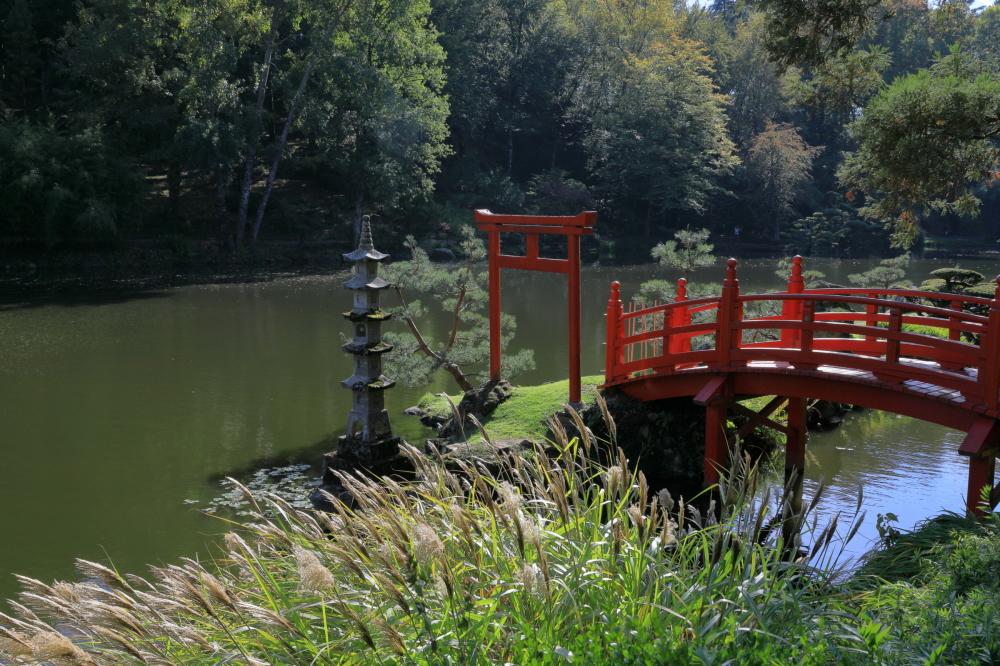 Promenade dans un parc oriental