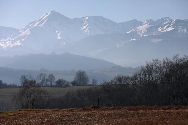 Chaîne des Pyrénées depuis Loucrup.