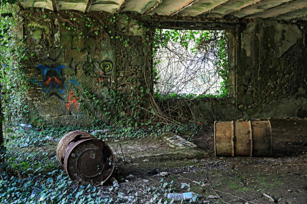 Hangar abandonné...