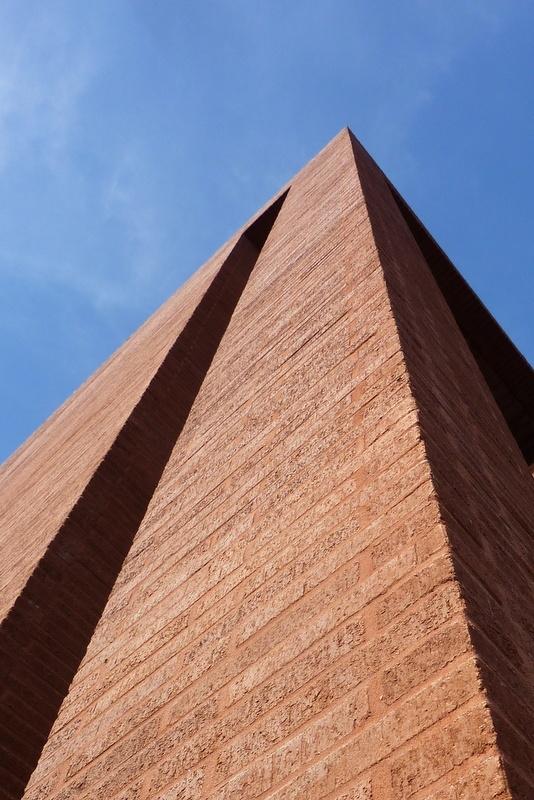 idem !  ou .... pyramide ?