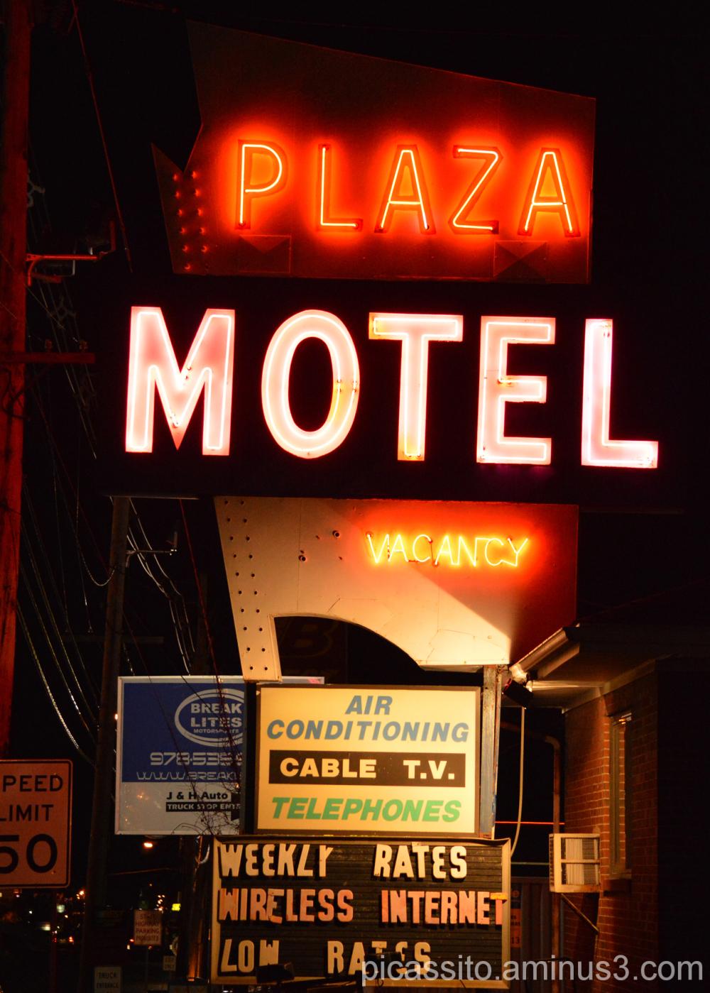 The Plaza Motel - Vacancy