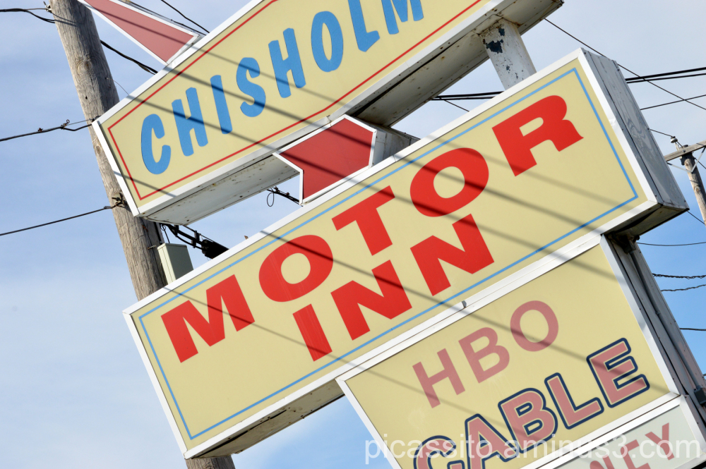 Chisholms Motor Inn
