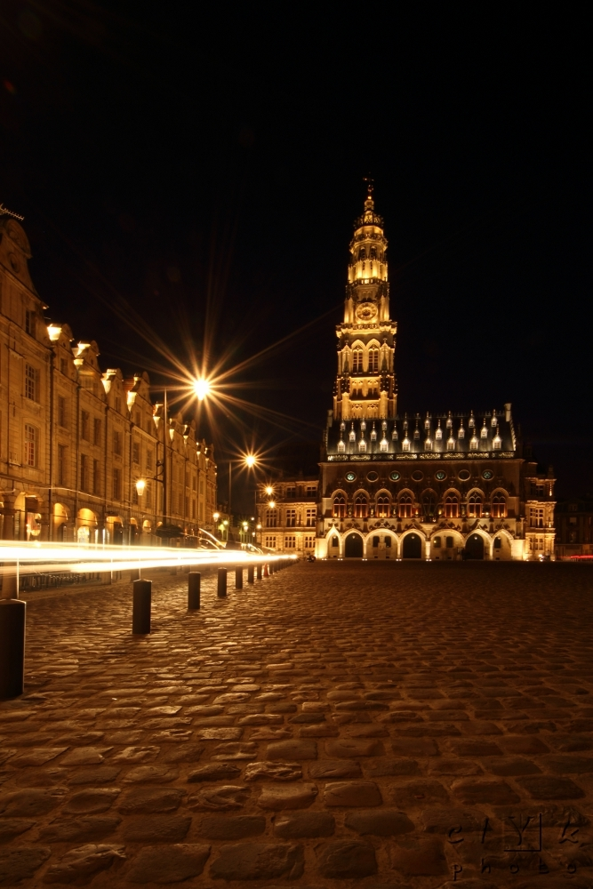 clYk belfry night pavement beffroi nuit Arras pavé