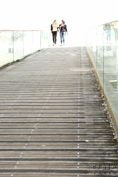 clYk street teen footbridge rue passerelle ados