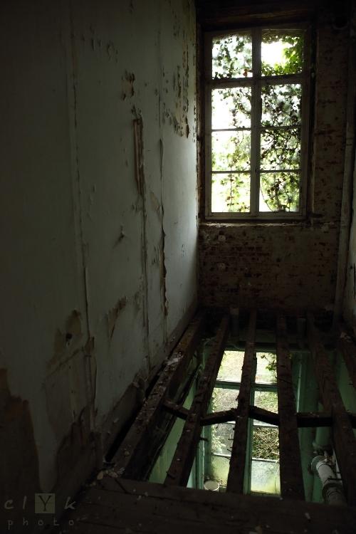 clyk abandoned convent floor couvent abandonné