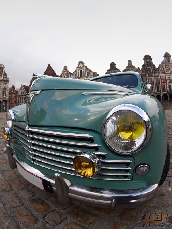 old car fifties vieille voiture 1957 Peugeot 203