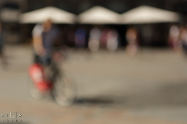 clyk blurred street bicycle flou vélo