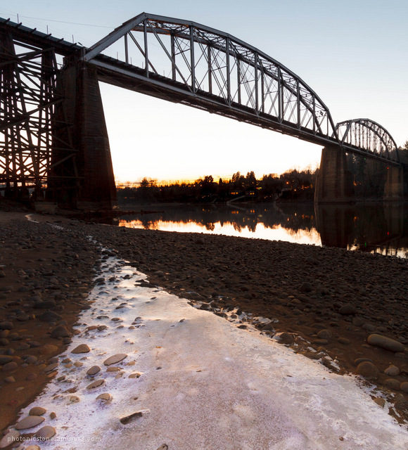 Ice parth to the abondoned railbridge .. sunset